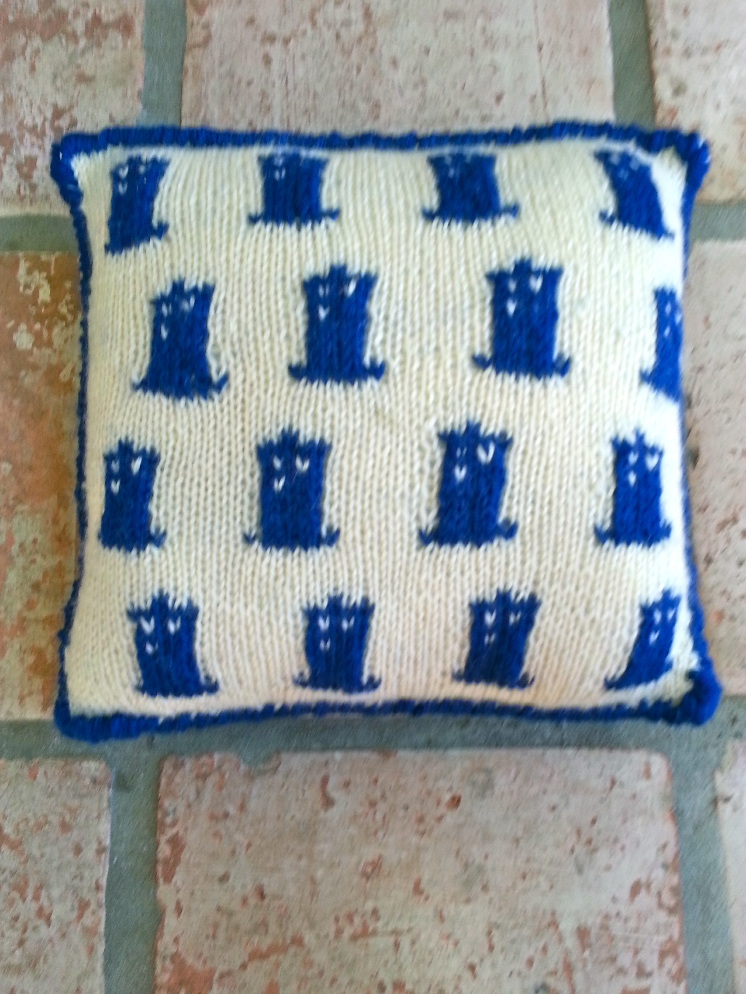 Knitting Pattern For Tardis Socks : Three blue knits?including a TARDIS pillow! knitbyahenshop